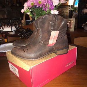 American Rag Córrale Boots